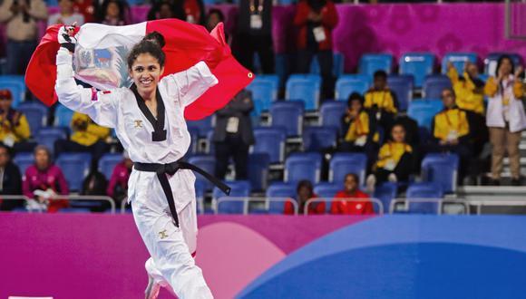 Angélica Espinoza celebrando su medalla dorada en Lima 2019. (Foto: Andina)