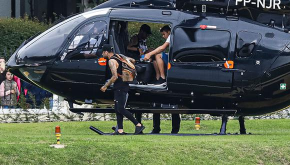 Neymar y Silva regresaron a Brasil antes del inicio de cuarentena en Francia. (Getty)