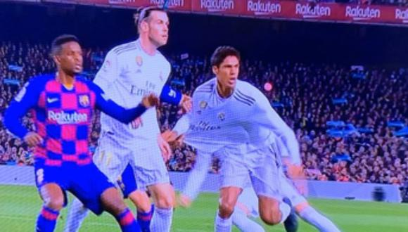 Una de las jugadas por las que Real Madrid reclama penal del Barcelona. (Foto: Movistar LaLiga)