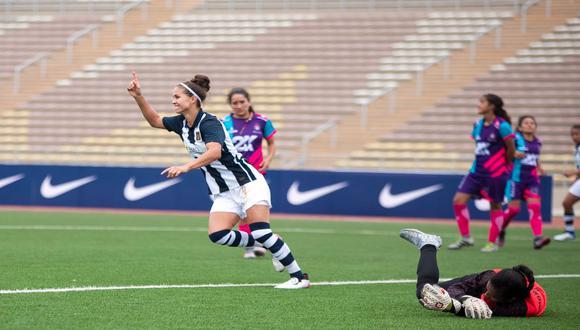 Adriana Lúcar anotó un 'hat-trick' ante FC Killas en la primera fecha de la Liga Femenina.