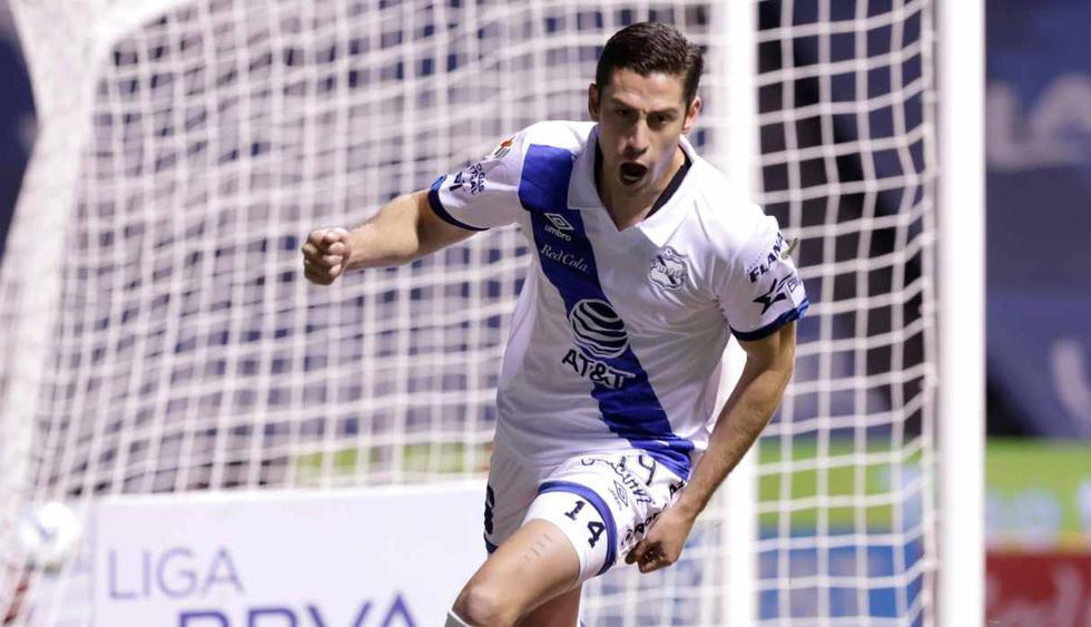 Santiago Ormeño, con camiseta de Puebla, marcó un 'Hat-trick' el último fin de semana. (Foto: EFE)