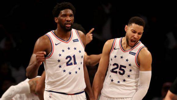 Joel Embiid y Ben Simmons no estarán presentes en el Juego de las Estrellas de la NBA. (Foto: Getty Images)
