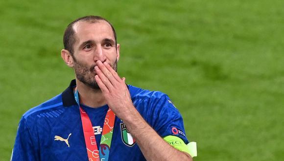 Giorgio Chiellini se coronó campeón de la Eurocopa con Italia en Wembley. (Foto: Reuters)