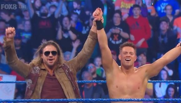 John Morrison y The Miz celebrando la victoria de este último. (Foto: WWE)