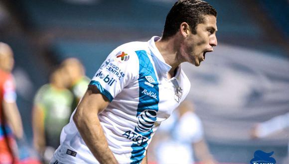 Santiago Ormeño no ha recibido una invitación formal ni de Perú ni de México hasta la fecha (Foto: @ClubPueblaMX)