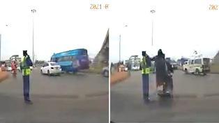 Video viral: Policía sufre robo de celular en plenas labores