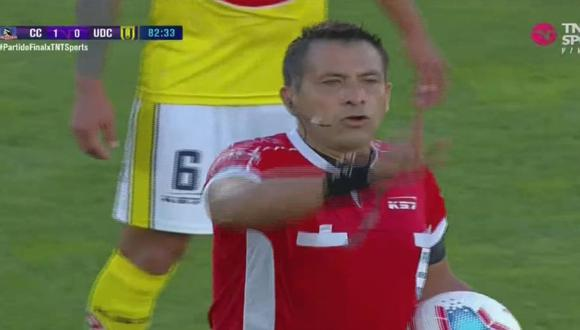 Julio Bascuñán fue el árbitro del partido entre Colo Colo y U. de Concepción por la permanencia en Chile.