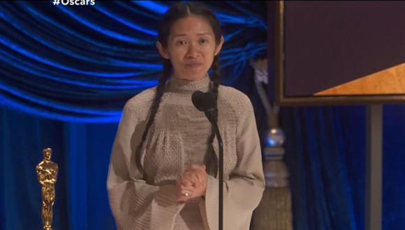 """Chloe Zhao se llevó el premio Oscar como Mejor Director por su trabajo en """"Nomadland"""". (Foto: Captura TNT)."""