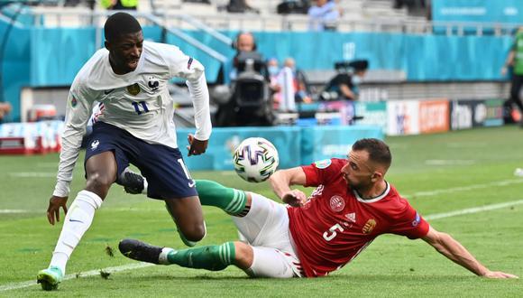 Delantero vuelve a sufrir otra lesión. Había ingresado por Rabiot en el segundo tiempo. (AFP)