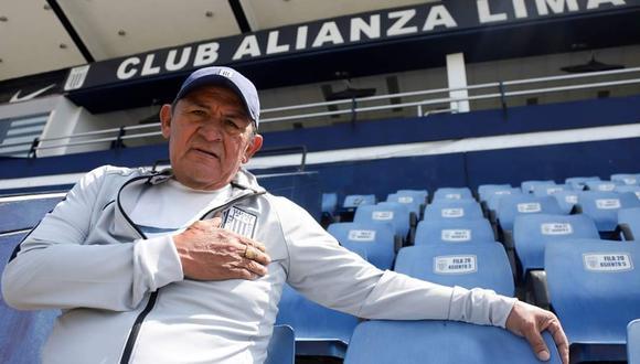 Hugo Sotil visitó las instalaciones de Matute y fue reconocido, por su aporte al fútbol peruano. (Foto: Prensa AL)