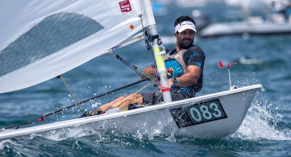 Stefano Peschiera navegando en un regata del Campeonato Mundial ILCA de Láser Estándar 2019. (BULKHEAD magazine Japan)