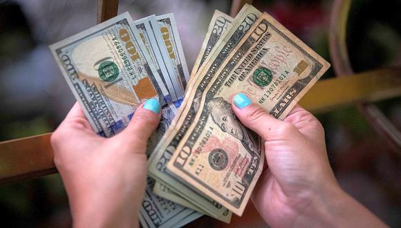 El precio del dólar alcanzaba los 19,8 pesos en México este miércoles (Foto: AFP).