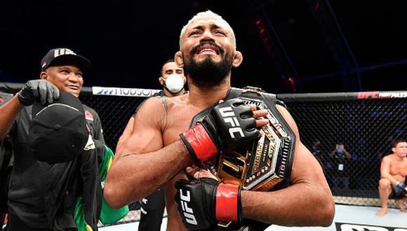 Figueiredo sometió a Benavidez y se proclamó campeón de peso mosca en el UFC Fight Island. (Getty Images)