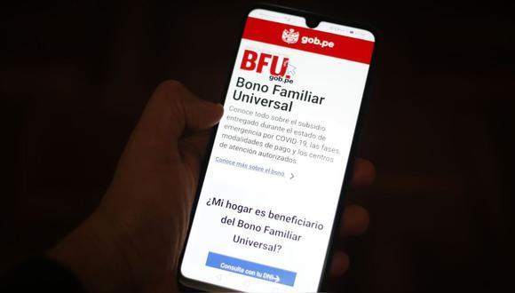 La modalidad Banca Celular comenzó el 25 de noviembre, desde entonces los beneficiarios deberán afiliarse para recibir los 760 soles (Foto: Andina)