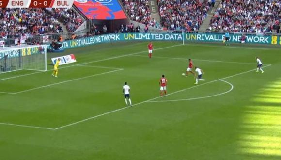 El infantil blooper defensivo de Bulgaria que acabó con un gol de Harry Kane