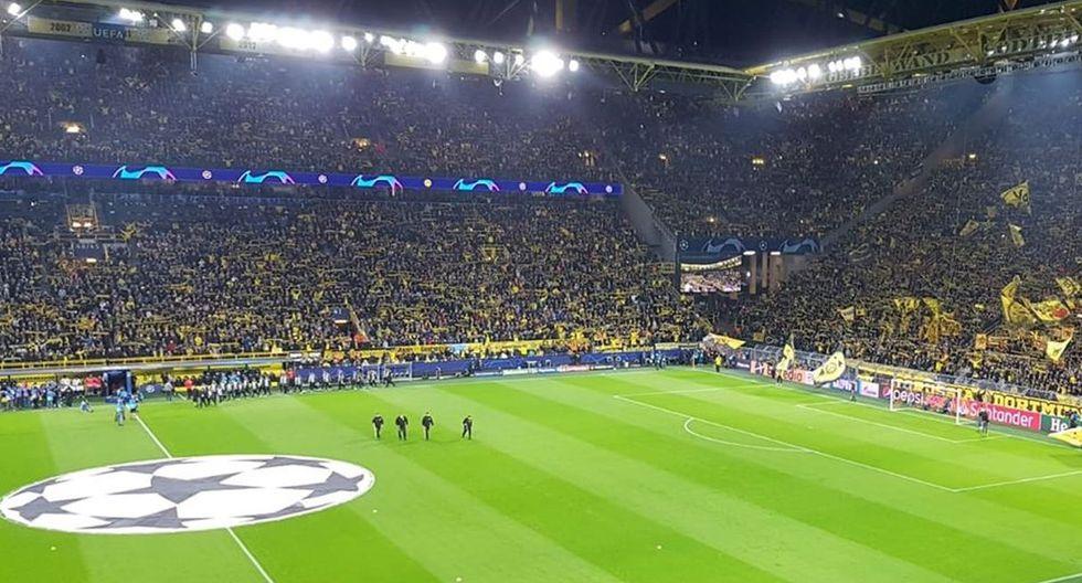Signal Iduna Park (Alemania) de Borussia Dortmund lleva en promedio 81,132,espectadores por cada partido de la Bundesliga. (Foto: Facebook Signal Iduna Park)