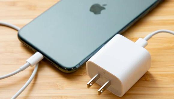 La renovación de equipos en usuarios fieles sería uno de los motivos que impulsarían a Apple a no incluir cargadores. (Difusión)