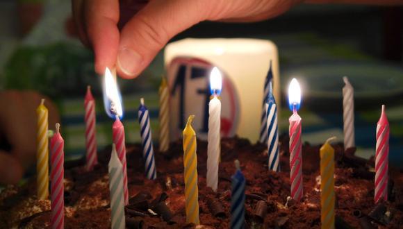 Una madre ha sorprendido en Internet por el singular mensaje que le dedicó a su hina en una tarta de cumpleaños. (Foto referencial: 995645 / Pixabay)