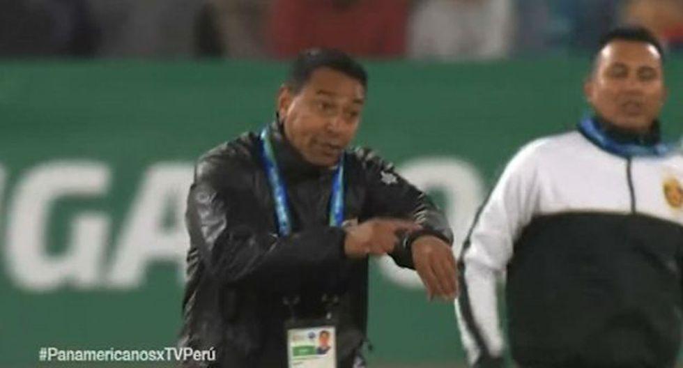 Nolberto Solano explotó con el árbitro tras el empate de la 'bicolor' (Foto: TV Perú)