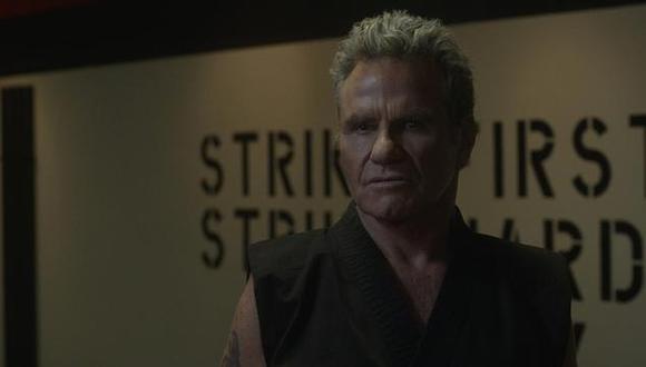 En la tercera temporada, el dojo Cobra Kai desató una mayor cantidad de violencia contra los estudiantes de secundaria. (Foto: Netflix)