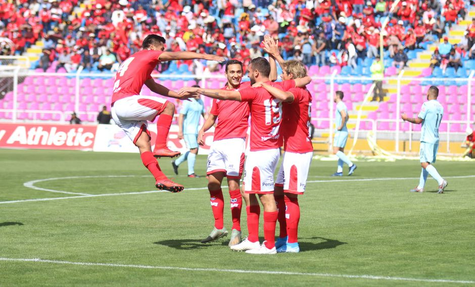 Cienciano ganó 2-1 a Bolívar en la 'Tarde del Papá'.