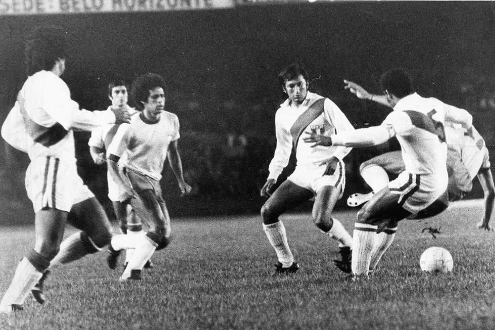 La selección peruana dirigida por Marcos Calderón llegaba a este partido por las semifinales luego de clasificar como primera e invicta en su grupo, eliminando a las selecciones de Chile y Bolivia. (Foto: GEC Archivo Histórico)