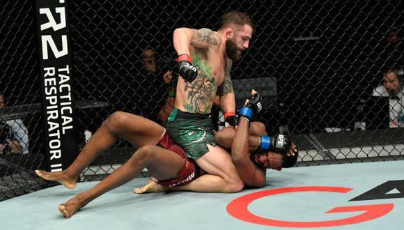 Michael Chiesa derrotó a Neil Magny en la estelar del UFC Fight Island 8 en Abu Dabi. (UFC)