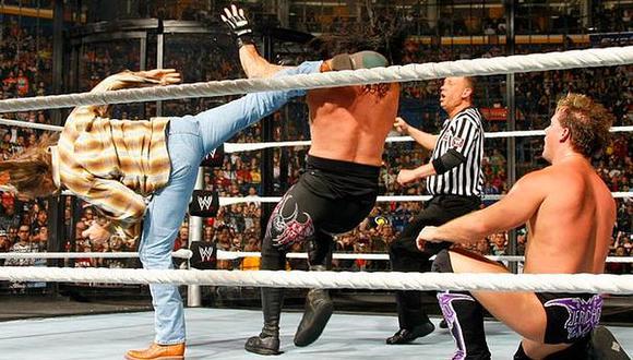Chris Jericho se llevó el triunfo gracias al ataque de Shawn Michaels sobre el Undertaker. (WWE)