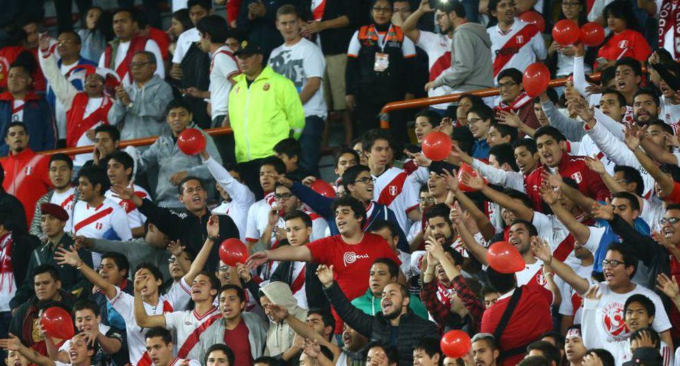 El hincha nacional demostró apoyo a la Selección Peruana.