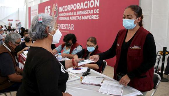 Pensión del Bienestar 2021: requisitos, registro y cómo cobrar el pago de $3,100 pesos en México. (Foto: Getty)