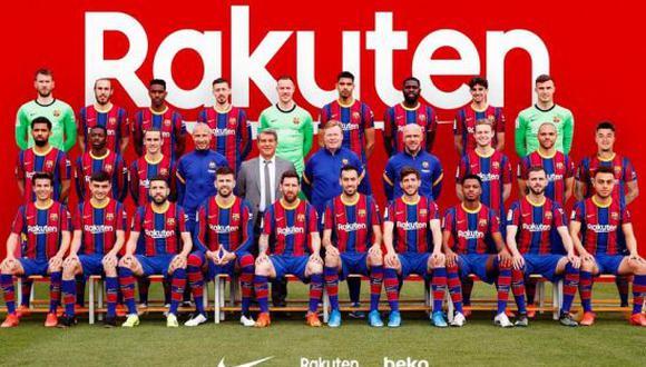 Barcelona se tomó la foto de la temporada 2020-21 en sus instalaciones. Piqué fue el centro de atención de la prensa local. (Foto: FCB)
