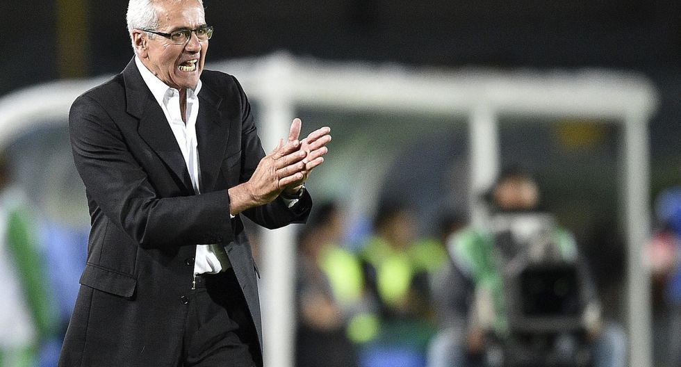 Gregorio Pérez asumió la dirección técnica de Universitario esta temporada. (AFP)
