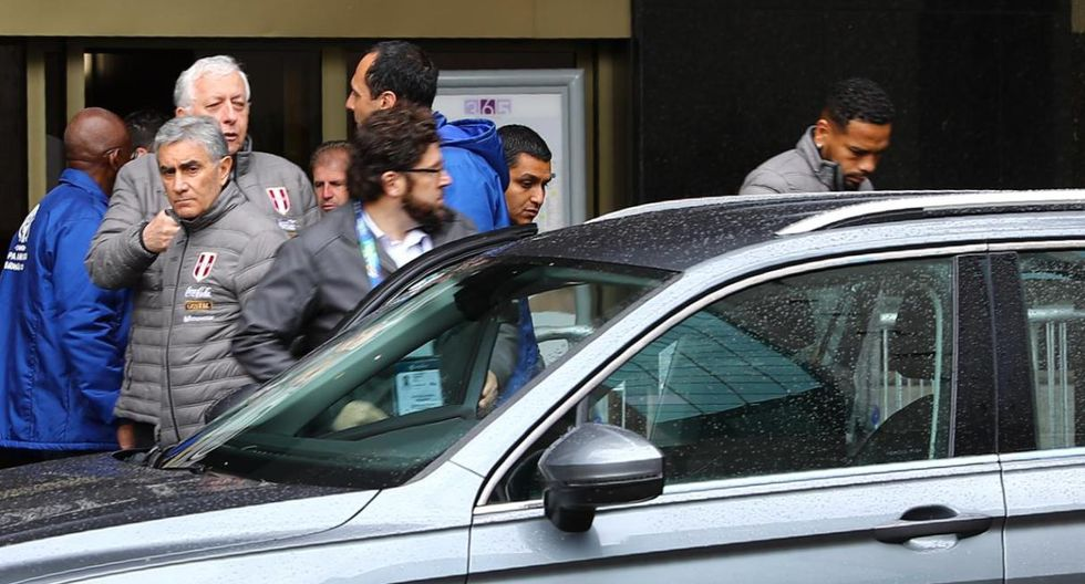 Alexander Callens saliendo de la concentración. (Fotos: Daniel Apuy)