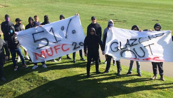 Hinchas del Manchester United invadieron campo exigiendo salida del dueño del club. (Foto: Sport Bilde)