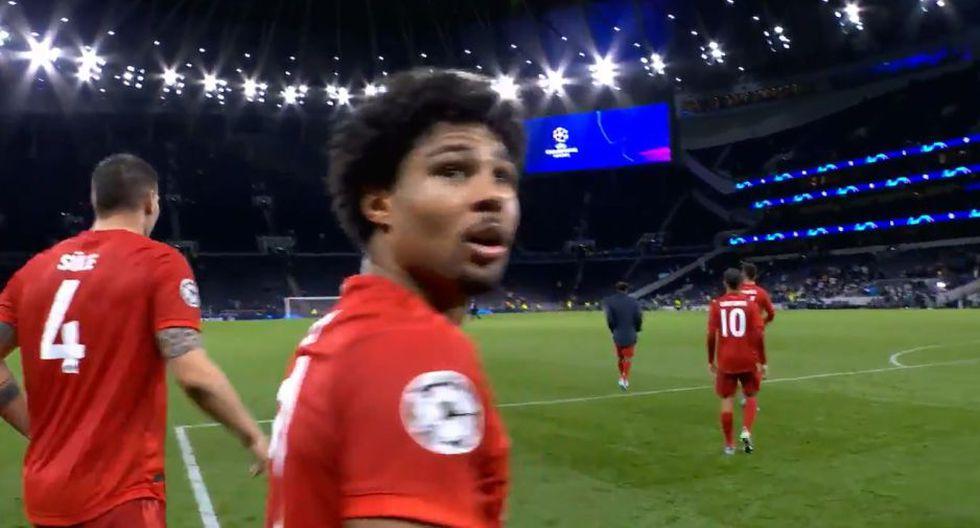 Javi Martínez regaló el balón de Gnabry en el Bayern vs. Tottenham por Champions League. (Fox Sports)