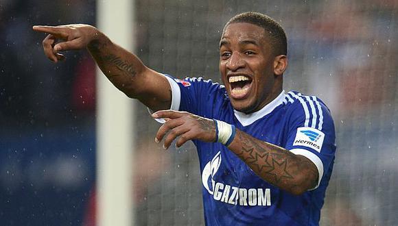 Schalke 04 recordó los goles de Farfán en la Champions League. (Foto: AFP)