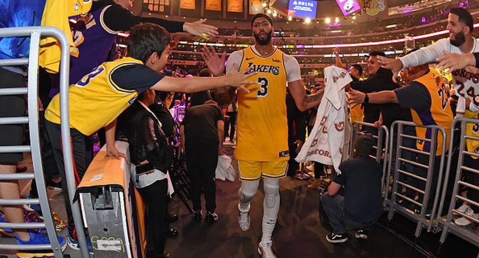 Estrellas de la NBA recibirán sueldos completos sin haber jugado por el coronavirus. (Getty Images)