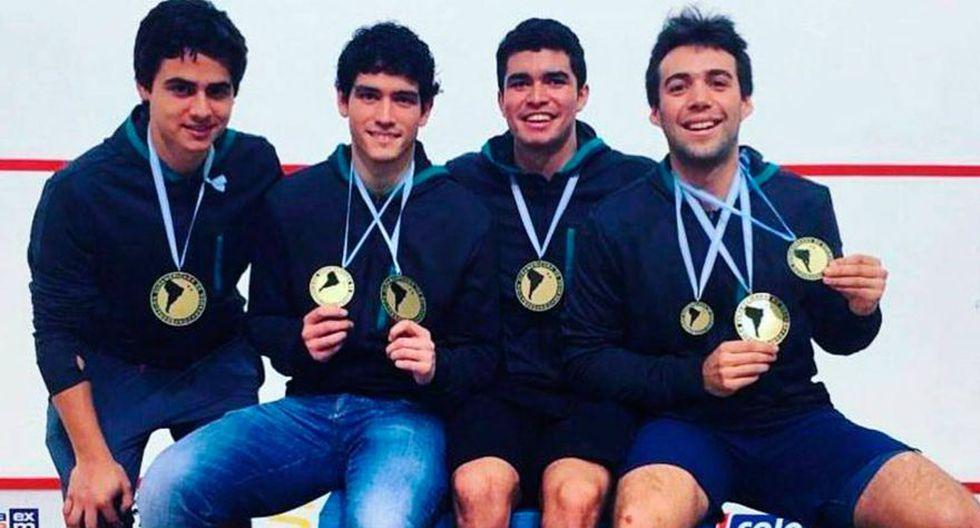 En 2017, la selección peruana de squash se consagró campeón del Sudamericano realizado en Argentina. De izquierda a derecha: Rafael Galvez, Andrés Duany, Diego Elias y Alonso Escudero. (IPD)