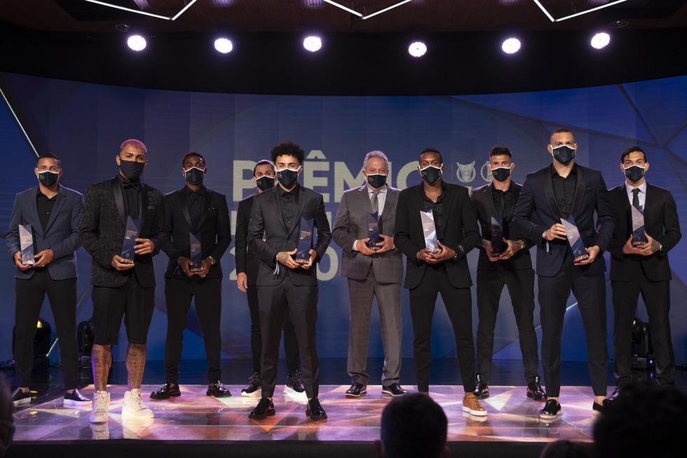 Marinho y Fagner no pudieron asistir a la premiación realizada en la sede de la Confederación Brasileña de Fútbol. (Foto: CBF)