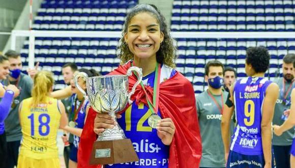 """Carla Rueda tras salir campeona con el Porto: """"La meta es quedarse en Europa"""". (Facebook)"""
