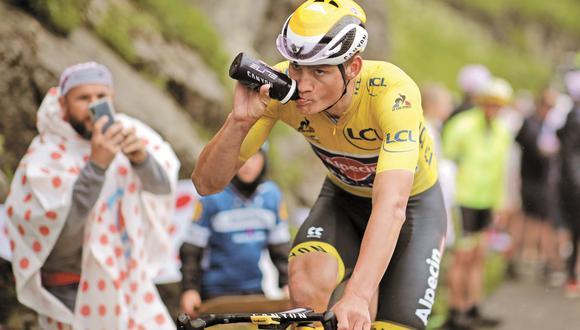 Líder durante 6 días del Tour de Francia, el ciclista neerlandés va por la medalla de oro en los Juegos Olímpicos y busca también seguir el legado de glorias de su padre.