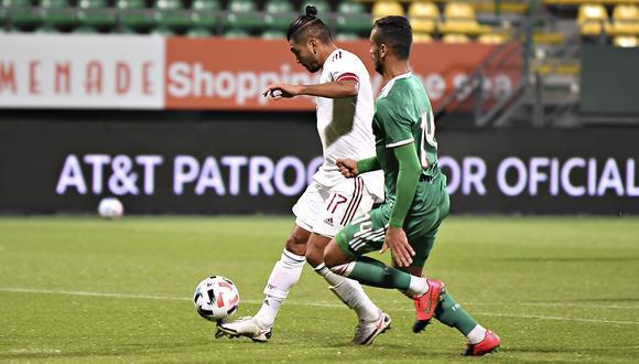'Tecatito' Corona anotó el primer gol para México, tras una excelente definición.