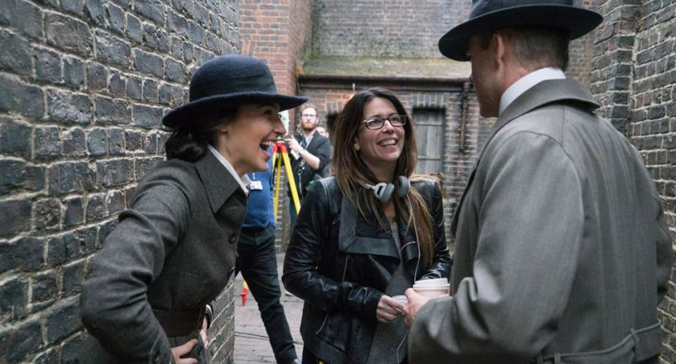 Patty Jenkins y Chris Pine en el set de Wonder Woman (Foto: Warner Bros.)