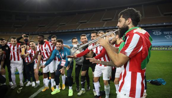 Asier Villalibre fue la 'víctima' del golpe de Messi que causó la expulsión de Leo. (Foto: Sport)