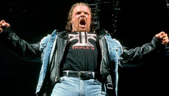 El día que Triple H volvió a WWE tras casi ocho meses de ausencia por una dura lesión en 2002. (WWE)