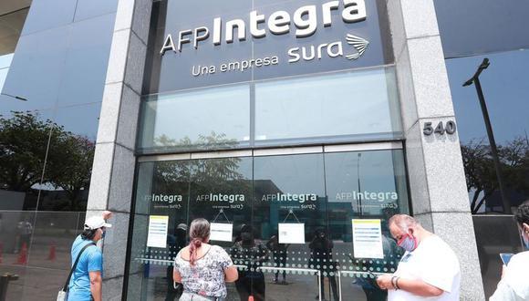 No es necesario pedir el retiro de hasta 4 UIT de tu fondo de AFP, sólo deberás solicitar lo necesario. (Foto: Lino Chipana / GEC)