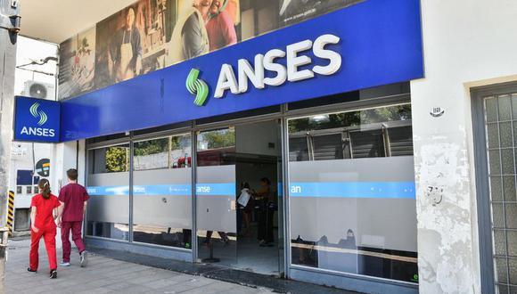 Bono Anses: el Gobierno argentino empezó a pagar los 10.000 pesos del refuerzo del Ingreso Familiar de Emergencia. (Foto: agencias).