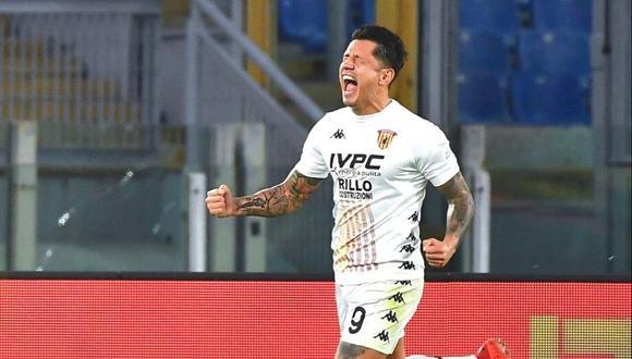 Gianluca Lapadula lleva anotados dos goles en cinco partidos con Benevento en la Serie A.