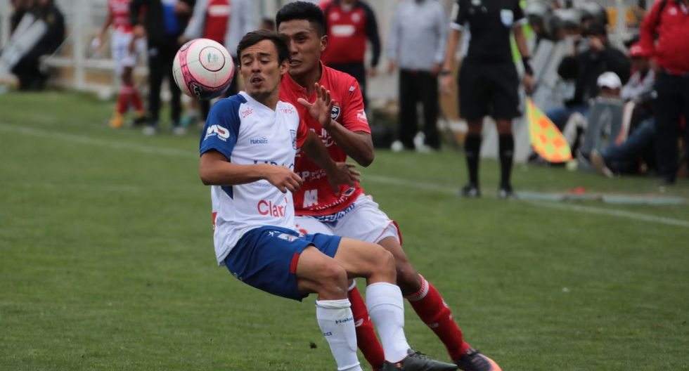 Cienciano jugó con el estadio lleno ante Carlos A. Mannucci.