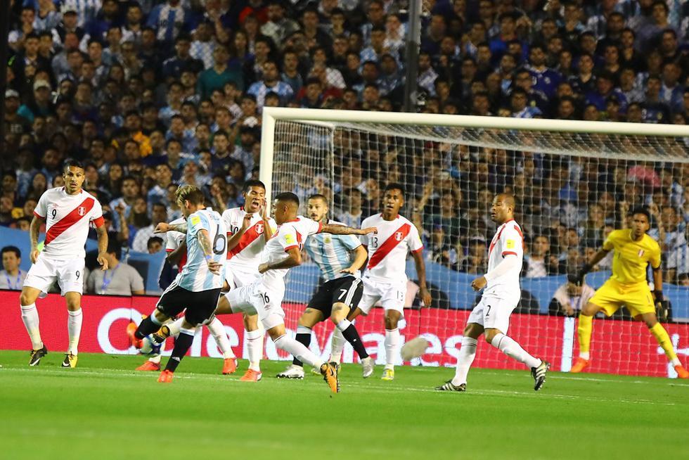 En nuestro último partido jugado en Argentina por Eliminatorias empatamos 0-0. El partido se jugó el 5 de octubre del 2017 en el Estadio La Bombonera, la gran actuación de Pedro Gallese impidió que Messi y compañía abrieran el marcador (Foto GEC Archivo).